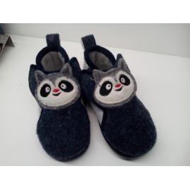 Zapatilla casa Panda